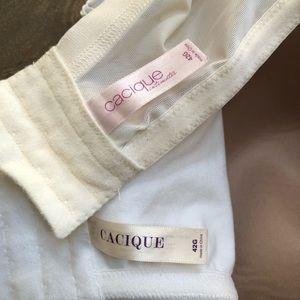 Cacique Intimates & Sleepwear - *2* CACIQUE Lacey Bras White Cream  Sz 42G
